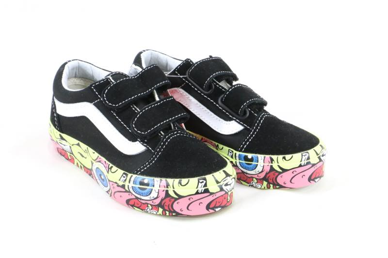 VANS KIDS OLD SCHOOL KIDS child size magic tape Velcro is pretty! I have a  very cute sole! It is recommended for a BRAIN WALL vans station wagons  skater! 21f4b2f5f