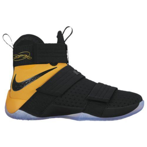 (取寄)NIKE ナイキ メンズ スニーカー バッシュ レブロン バスケットシューズ ソルジャー 10 Nike Men's LeBron Soldier 10 Black University Gold