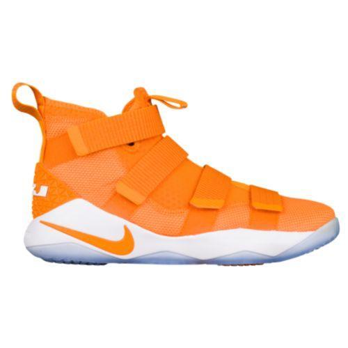 (取寄)Nike ナイキ メンズ スニーカー バッシュ レブロン ソルジャー 11 バスケットシューズ Nike Men's LeBron Soldier 11 Bright Ceramic White