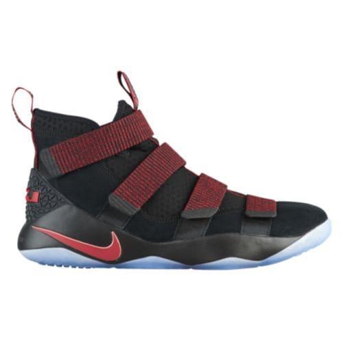 (取寄)ナイキ メンズ スニーカー バッシュ レブロン ソルジャー 11 レブロン ジェームズ バスケットシューズ Nike Men's LeBron Soldier 11 Lebron James Black Gym Red Stardust