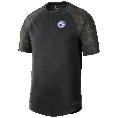 (取寄)ナイキ メンズ NBA コートサイド カモ Tシャツ フィラデルフィア セブンティシクサーズ Nike Men's NBA Courtside Camo T-Shirt フィラデルフィア セブンティシクサーズ Black Camo