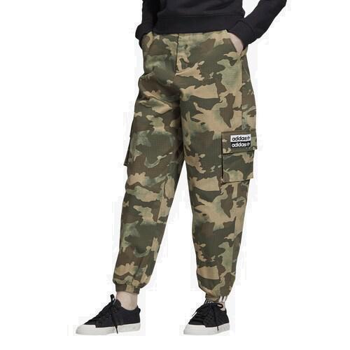 【クーポンで最大2000円OFF】(取寄)アディダス レディース オリジナルス アディカラー トラック パンツ Women's adidas Originals Adicolor Track Pants Hemp Earth Green Base Green Cargo Brown
