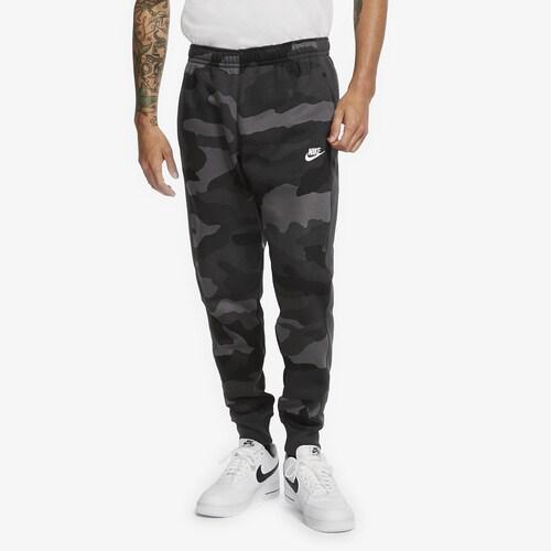 (取寄)ナイキ メンズ クラブ カモ ジョガー Nike Men's Club Camo Joggers Dark Grey Summit White