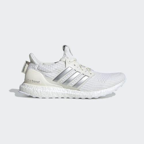 (取寄)アディダス レディース X ゲーム オブ スローンズ ハウス ターガリエン ウルトラブースト ランニングシューズ adidas Women x Game of Thrones House Targaryen Ultraboost Shoes Off White / Silver Metallic / Core Black