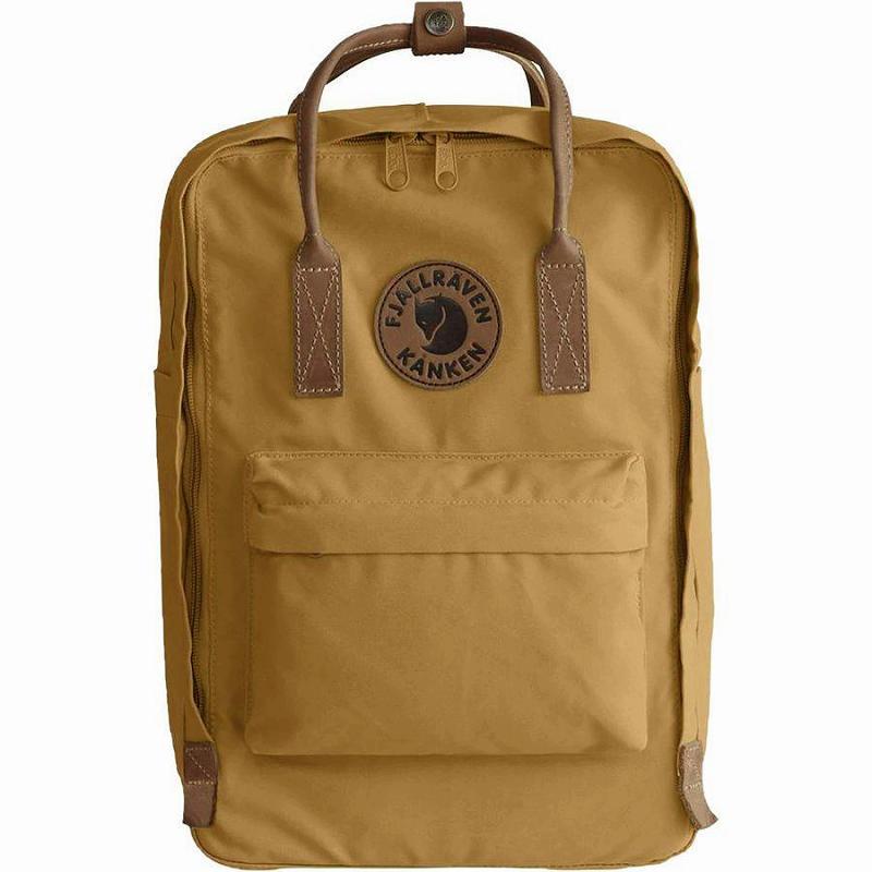 【エントリーでポイント5倍】(取寄) フェールラーベン ユニセックス カンケン No.215inラップトップ バックパック Fjallraven Men's Kanken No.2 15in Laptop Backpack Acorn