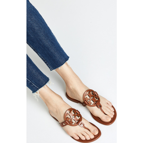39d6ed5edbe5 (order) Tory Burch Women s Miller Flip Flops Tolly Birch Lady s mirror flip-flops  Tan