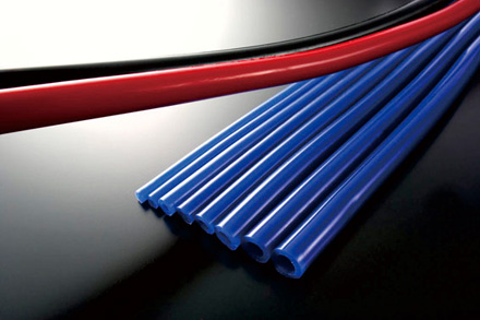 JURAN ジュラン シリコンホースレッド 内径 4φ 長さ 2m ■ 内径4mm 0.4cm 汎用ホース 激安特価品 メーターホース φ4 休日 カラー:レッド 4ファイ