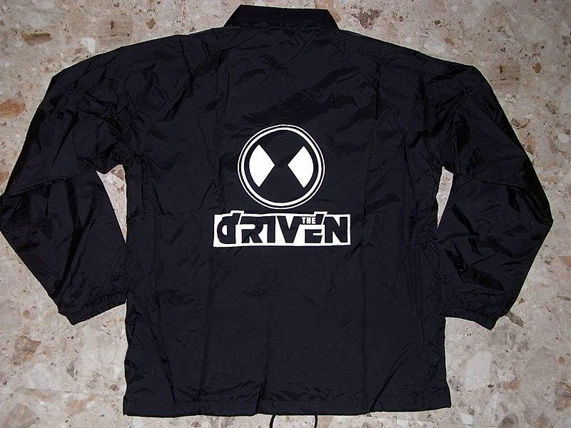 DRIVEN ドリブン ドットロゴ ナイロンコーチジャケット 黒x白