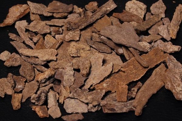 【希少】ベトナム産天然伽羅表皮部3g量り売り/沈香と黄伽羅の間のような香り