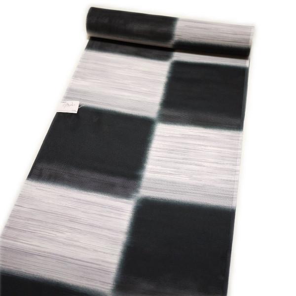 夏用 東レシルック洗える小紋着尺・ポリエステル反物(絽:白と黒の石畳柄)