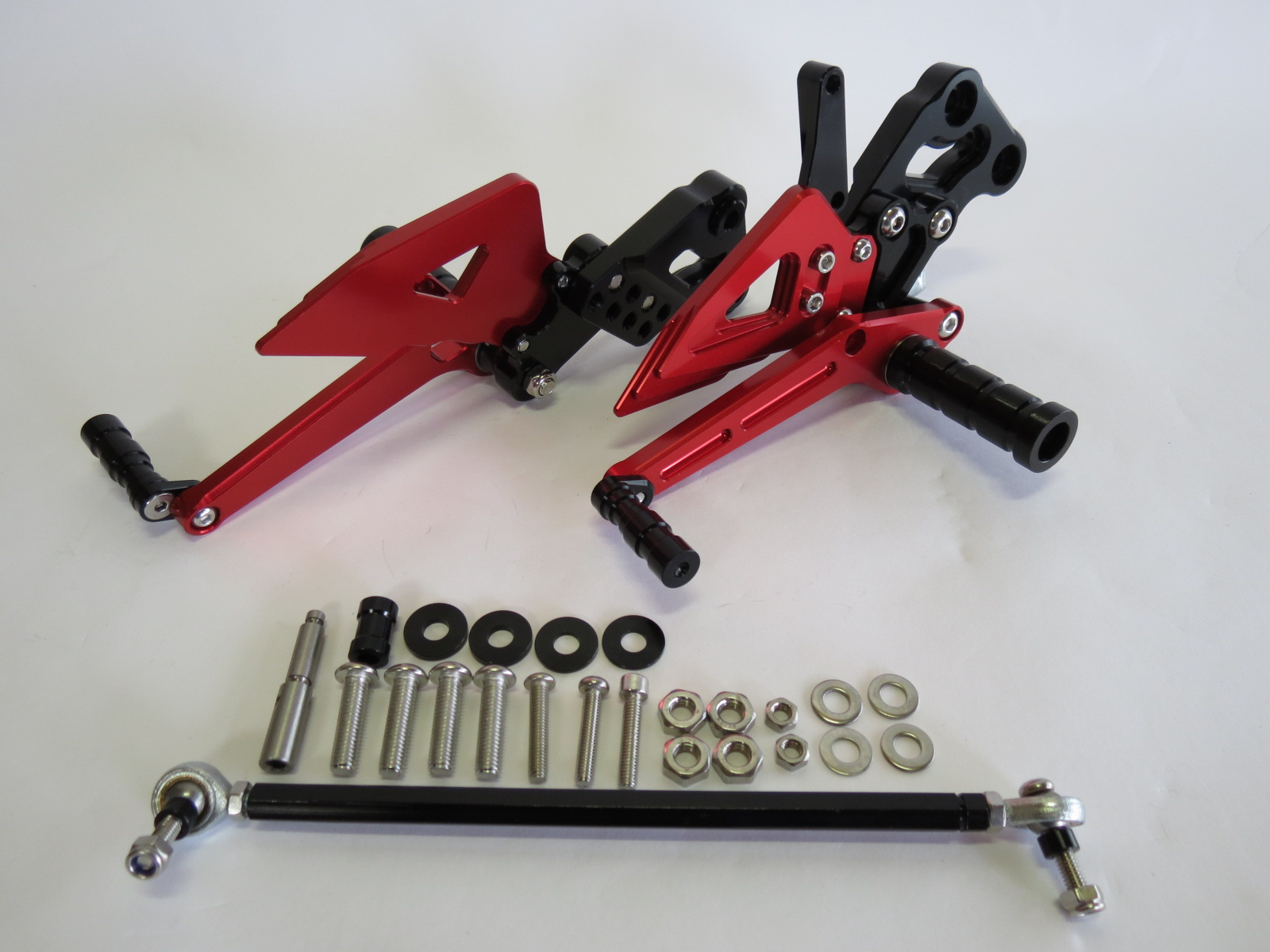 GSX-R125/150 17- GSX-S125/150 17- gsxr125 gsxs125 CNC 調整式 バックステップ 赤