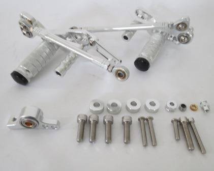 DUCATI STREETFIGHTER 調整式 バックステップ CNC加工 銀