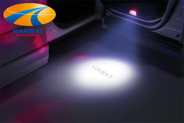 GARAXロゴを鮮やかに映し出す 日本未発売 カプラーオンで簡単装着 激安挑戦中 限定特価 K'SPEC ギャラクス LEDプロジェクターカーテシランプ40系プリウスα用 GARAX