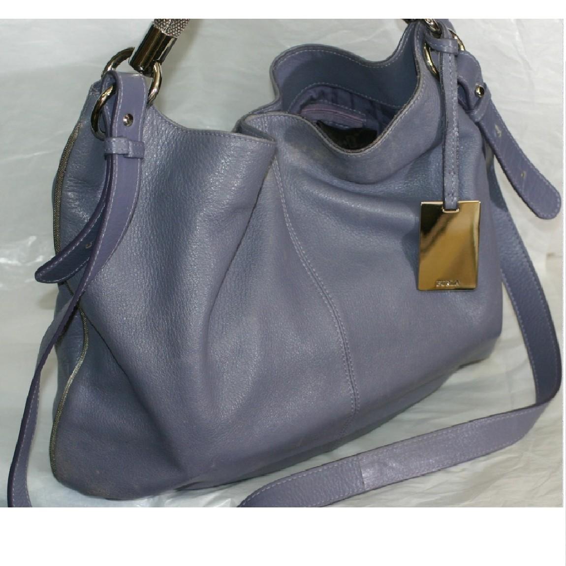 【中古】本物フルラ女性用アッシュパープル色柔らかい革素材お洒落なフォルムの2WAYバッグ サイズW40H27D7cm
