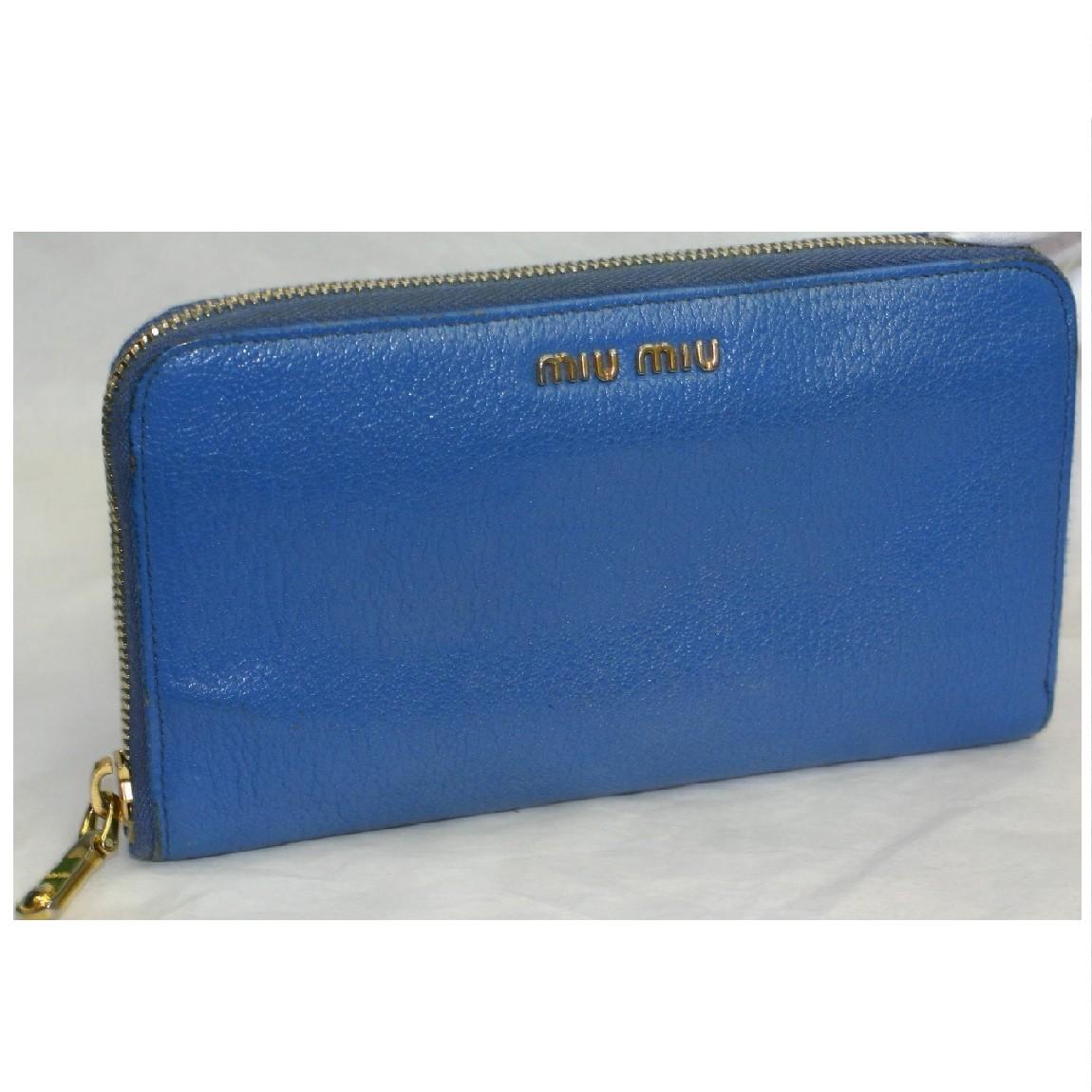 【中古】本物美品ミュウミュウ女性用綺麗な青色18,5cmラウンドファスナー長財布