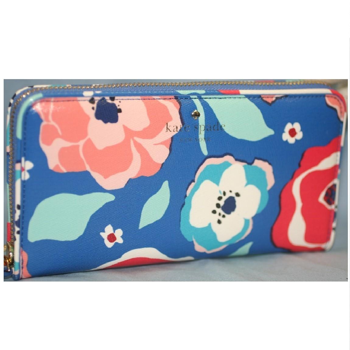 【中古】新品未使用ケイトスペード女性用青色地に大きいバラの絵柄ラウンドファスナー長財布PWRU4290プレゼントに最適