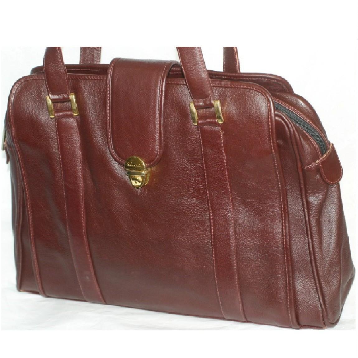 【中古】綺麗女性用ボルドー色カーフ素材PECARIピカリ持ち手の長いトートバッグ兼ボストンバッグ