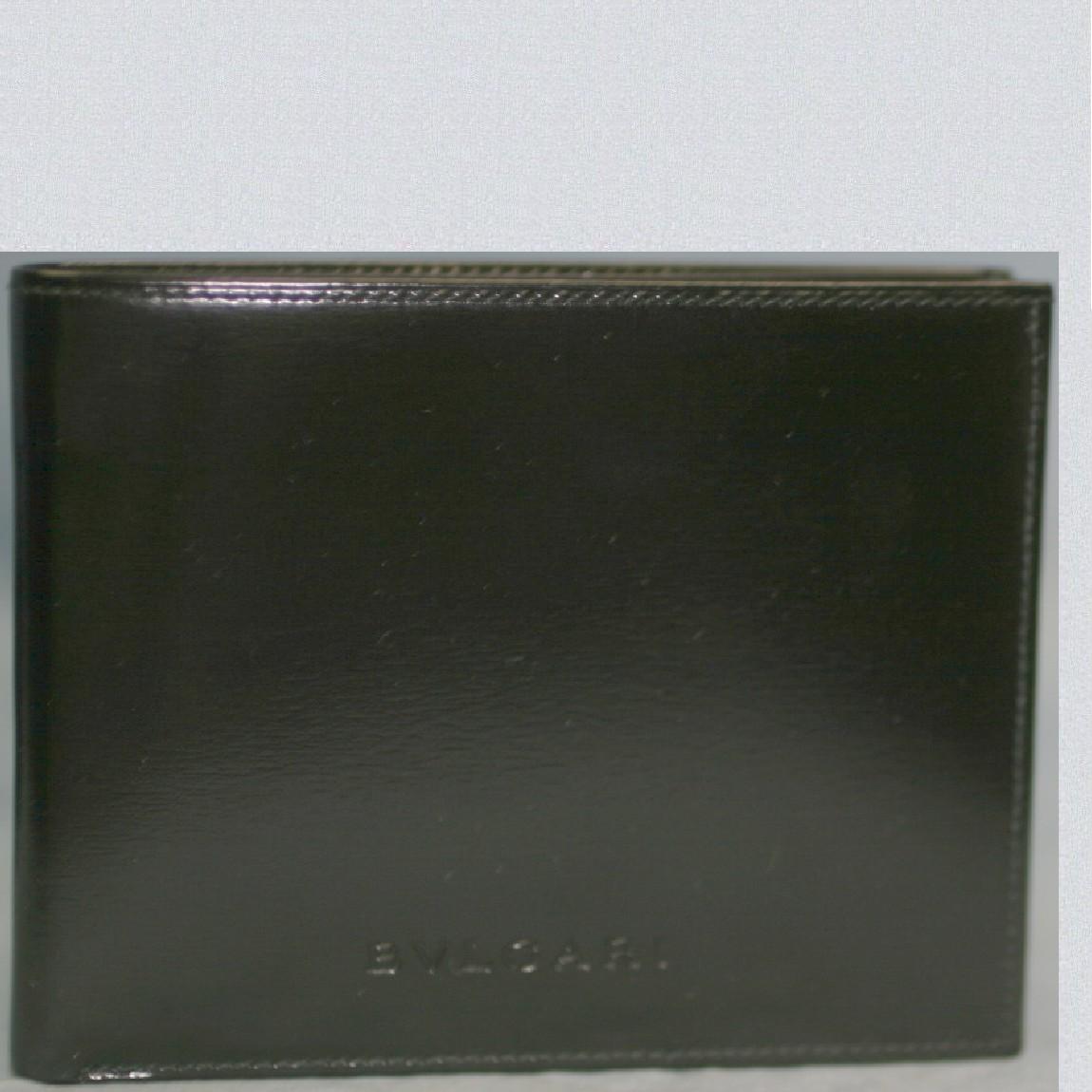 【中古】本物新品未使用ブルガリ紳士用マスターカーフ黒10,2x8センチ2つ折カード用ポケット6個付き財布