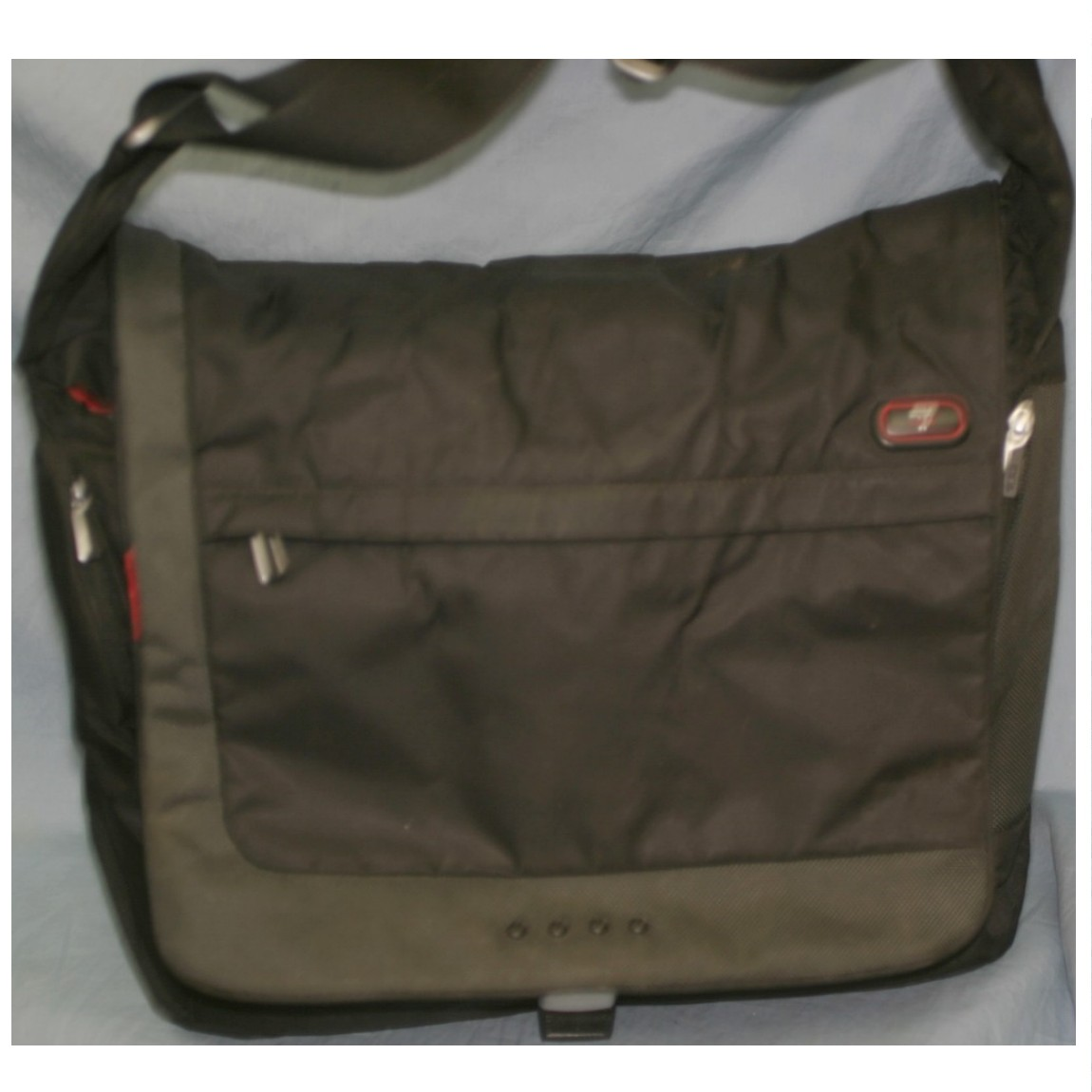 【中古】本物TECHbyTUMI製紳士用収納力抜群黒ナイロンキャンバス素材バッグ