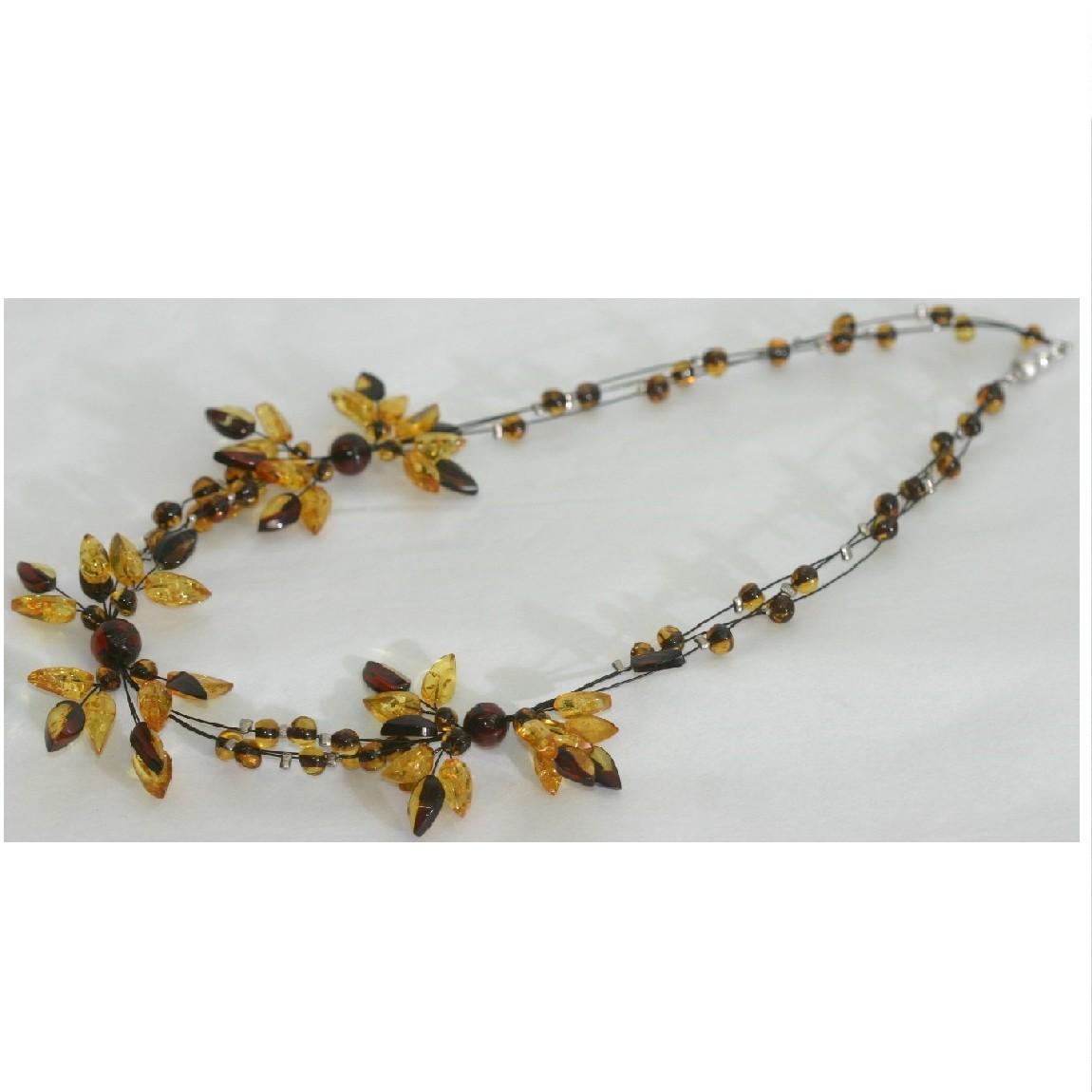 【中古】綺麗女性用濃淡の琥珀素材5つの花びらモチーフトップつきチョーカー長さ44cm ○B12-32