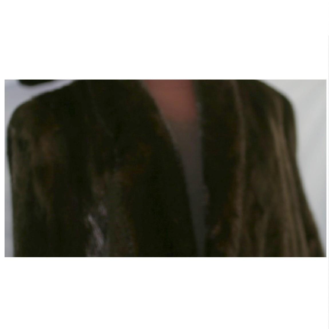 ギフ_包装 中古 本物綺麗ブラックグラマー女性用ミンクの焦げ茶色コートサイズ表記12着丈80センチ ○D9-135 現品