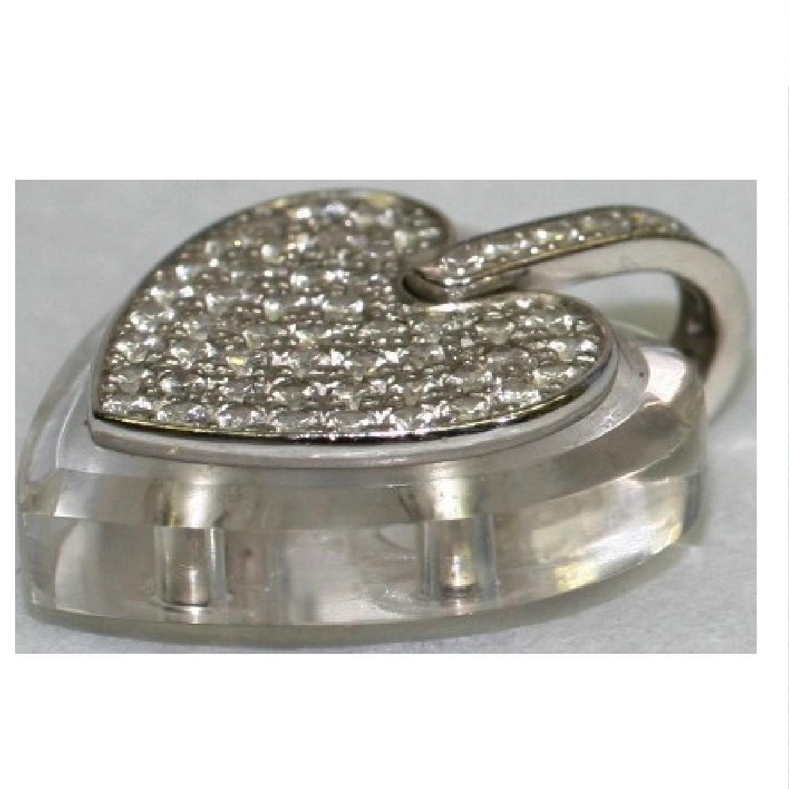 【中古】本物K18WG金無垢素材に合計0,971の沢山のダイヤが埋め込まれているハートの形のアクリル素材のペンダントトップ 重さ8,9g ○S9-20