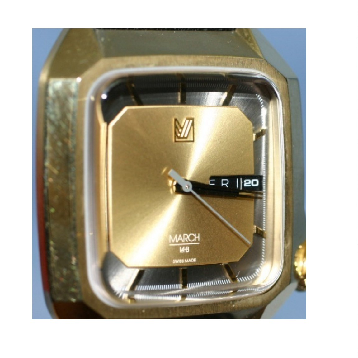 【最安値挑戦!】 【】本物完動美品 MARCH LA.B マーチエルビー AM2-38MM メモゴールドダイヤル パンチングバッファローレザーストラップ 紳士用クォーツのごつい時計 1ヶ月保証付き ○A10-98, シスイマチ c3d5c136