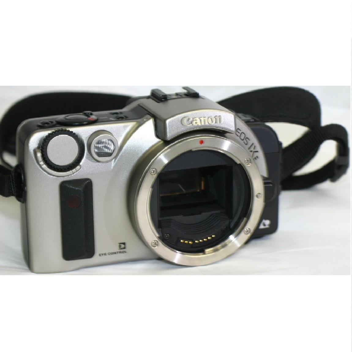 【中古】動作確認済みほぼ新品キャノンAPSフィルム使用1眼レフカメラボディEOS-IXYシルバーボディ 1ヶ月保障つき