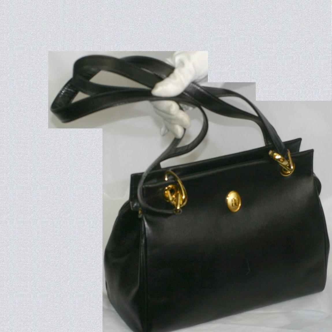 【中古】本物美品ダックス女性用黒柔らかい革ロングショルダーバッグ サイズW30H21D13cm ショルダーの長さは75cm位