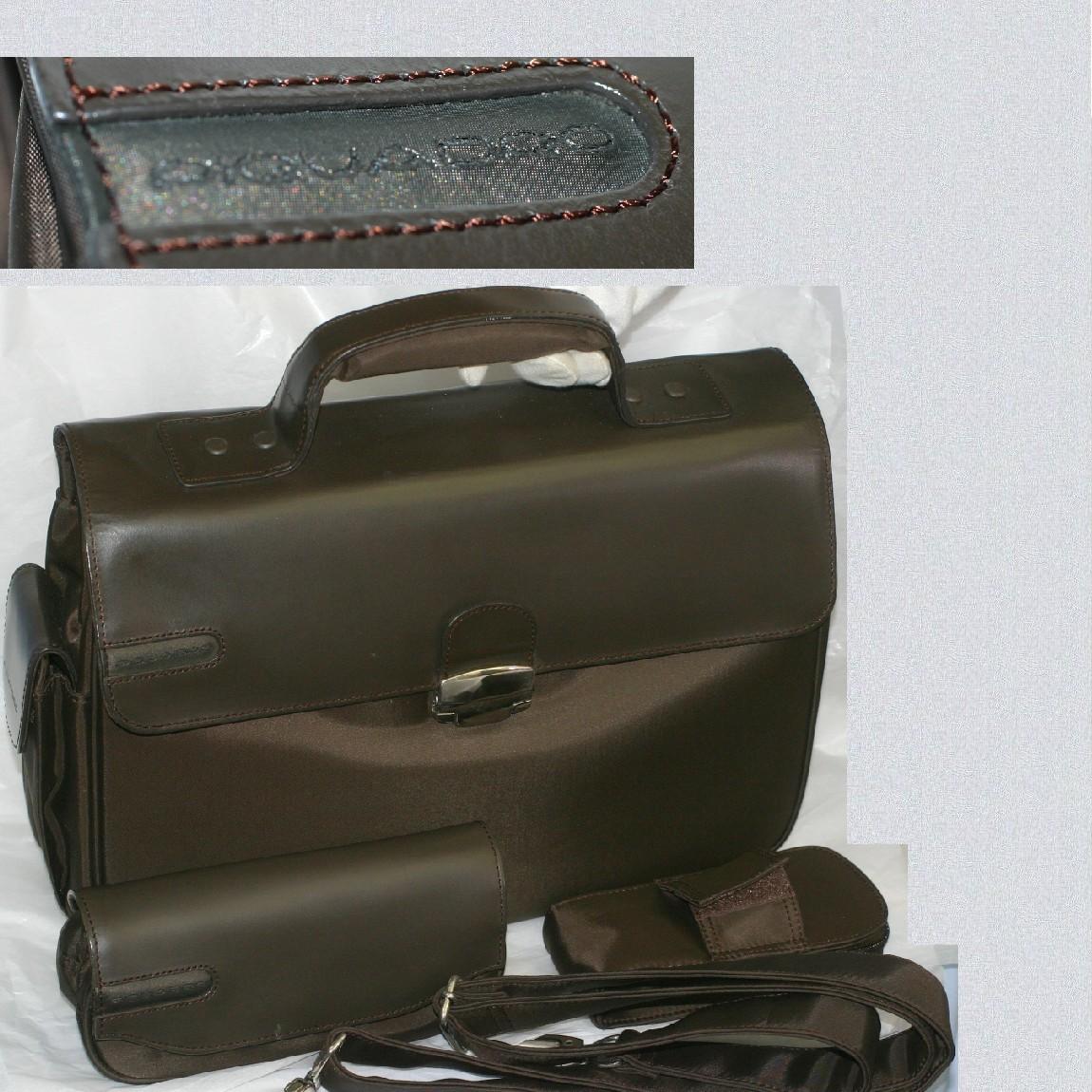 【中古】本物新品未使用ピクアドロ取外し可能なショルダーストラップのついたブラウン色収納力抜群ブリーフケース別売りのポーチつき サイズW39H27D11cm