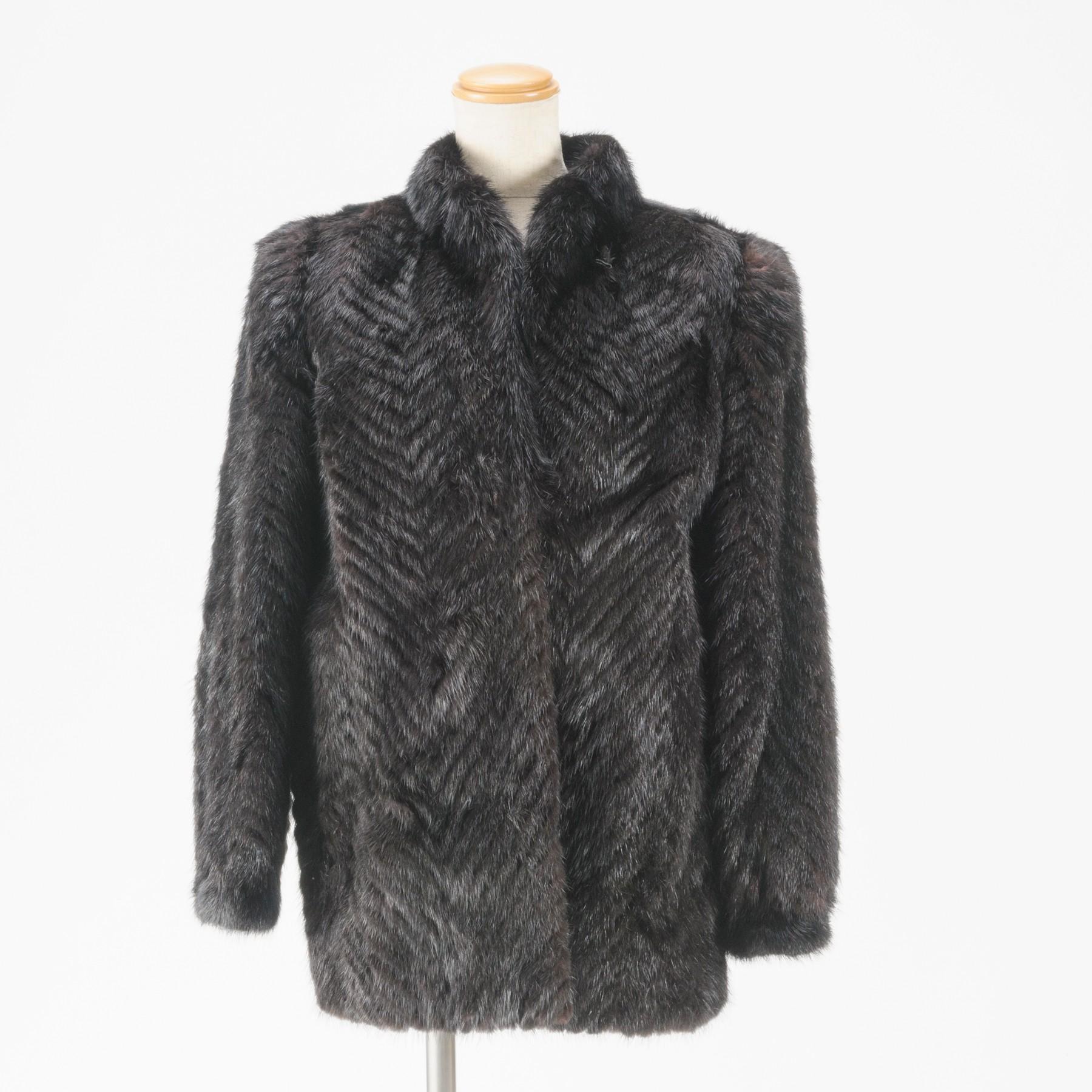 中古 バーゲンセール 本物綺麗ミンクの黒に近いダークブラウンのハーフコート 表記サイズ13号 202-1 ○D15-43 送料0円