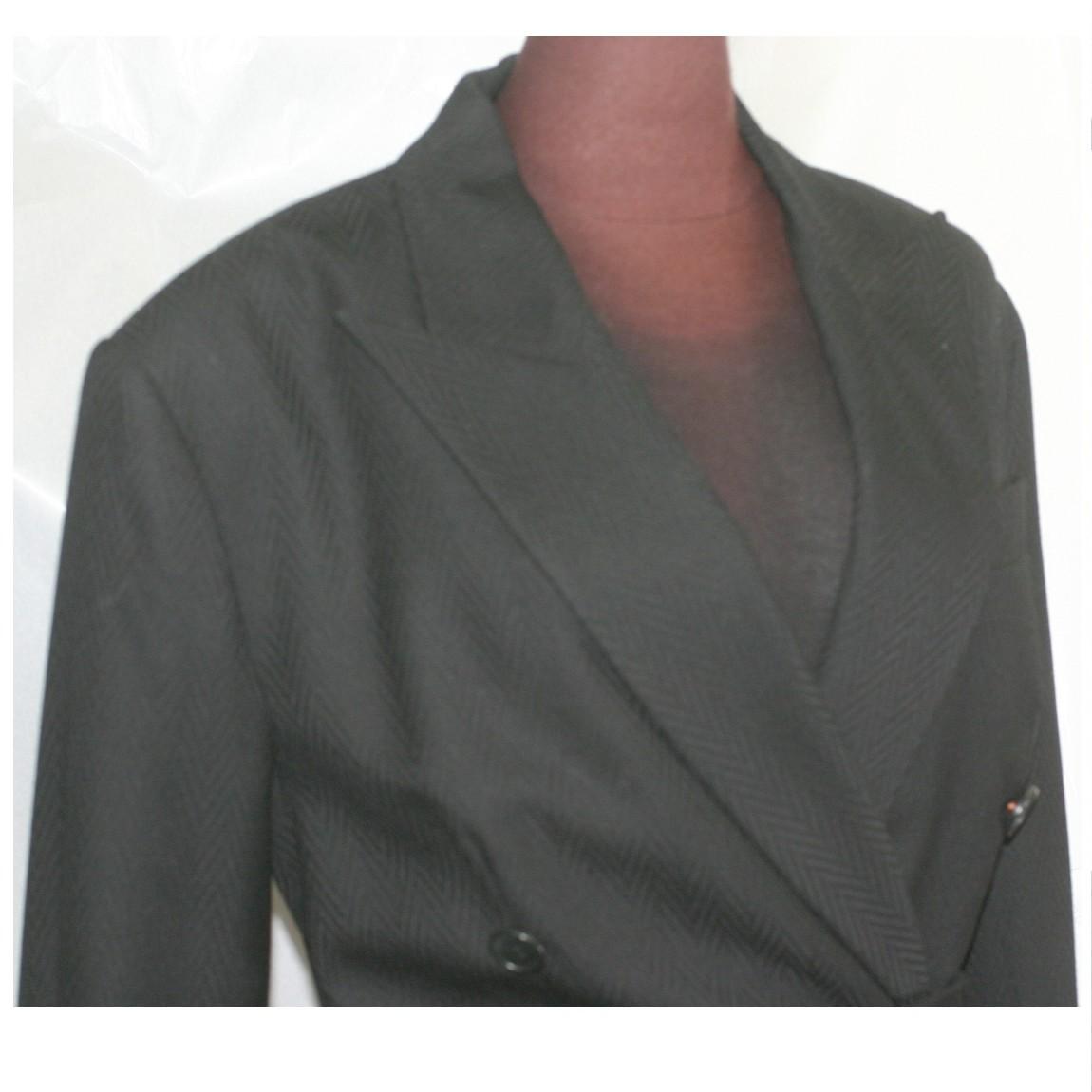 【中古】本物C,Dior女性用黒いお洒落なフォルムのワンピース 表記サイズフランス40 着丈90、肩幅44(肩パッド入り)、身幅50、袖丈60cm