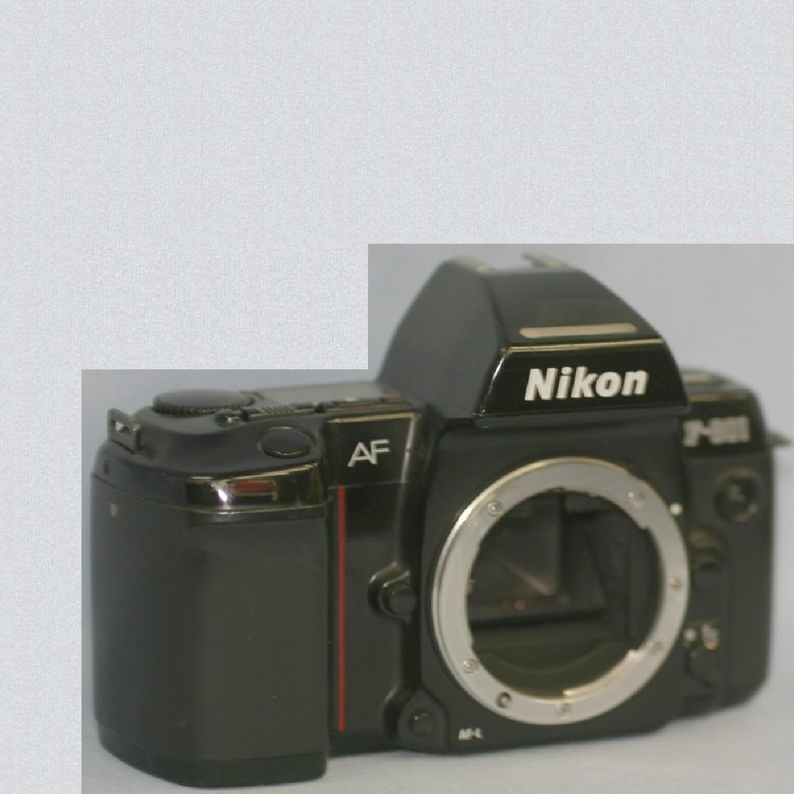 【中古】完動品ニコンの35mmフィルム使用AFカメラF-801ボディ