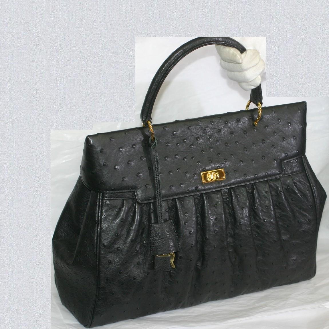 【中古】本物ほぼ新品ザオウ産業女性用全体が黒いオーストリッチ素材高級感漂う女性用トートバッグ プレゼントに最適サイズW33,5H26D15cm