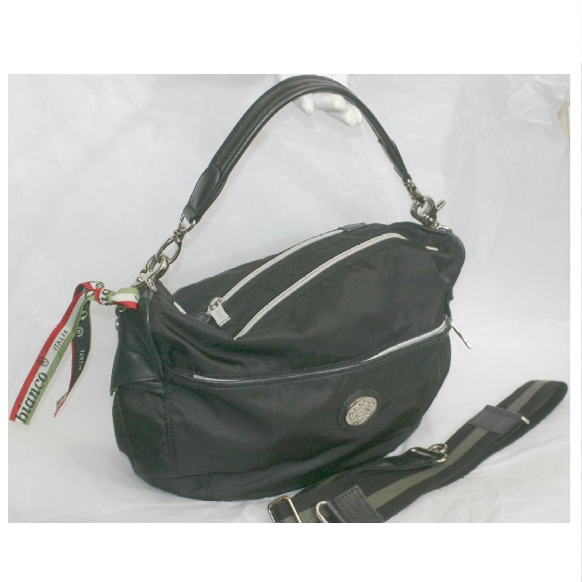 【中古】本物綺麗オロビアンコ黒いナイロン素材のウエストバッグ兼収納力抜群ショルダーバッグ サイズW36H23D16cm