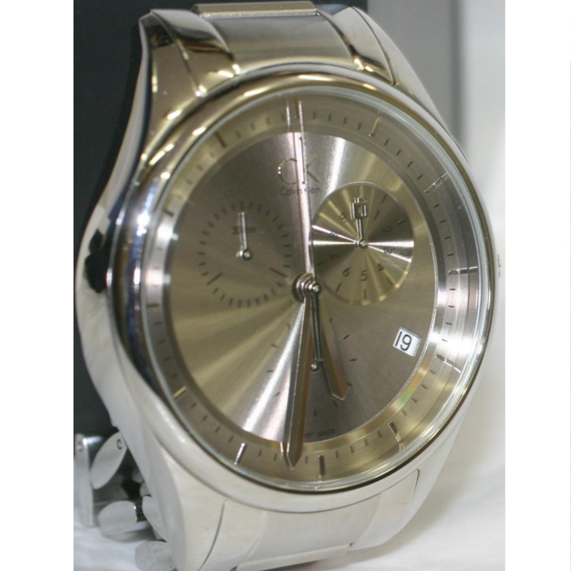 【中古】本物新品同様カルバンクライン紳士用クロノ文字盤のシルバーグレーのお洒落な時計3ヶ月保障付