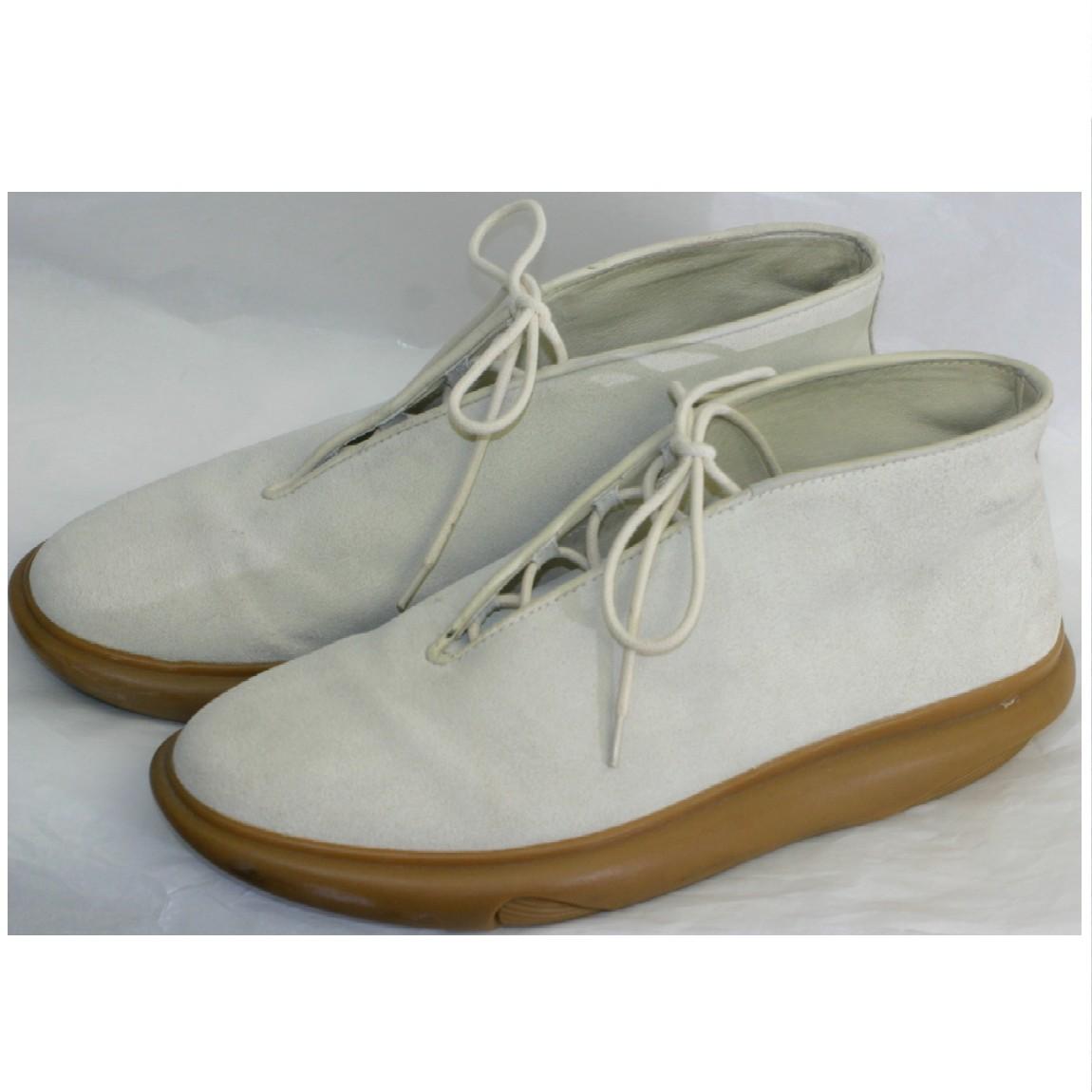 【中古】本物美品BEAMSで購入アーティクルNの紳士用オフホワイトスエード素材丈夫な作りの靴日本サイズ27,5cm定価38000円何回か履きました