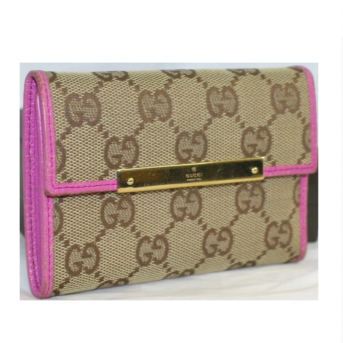 【中古】本物美品グッチ女性用茶GG柄キャンバス素材周囲にピンク色革を使用している3つ折財布 サイズW12H8,8D2,5cm