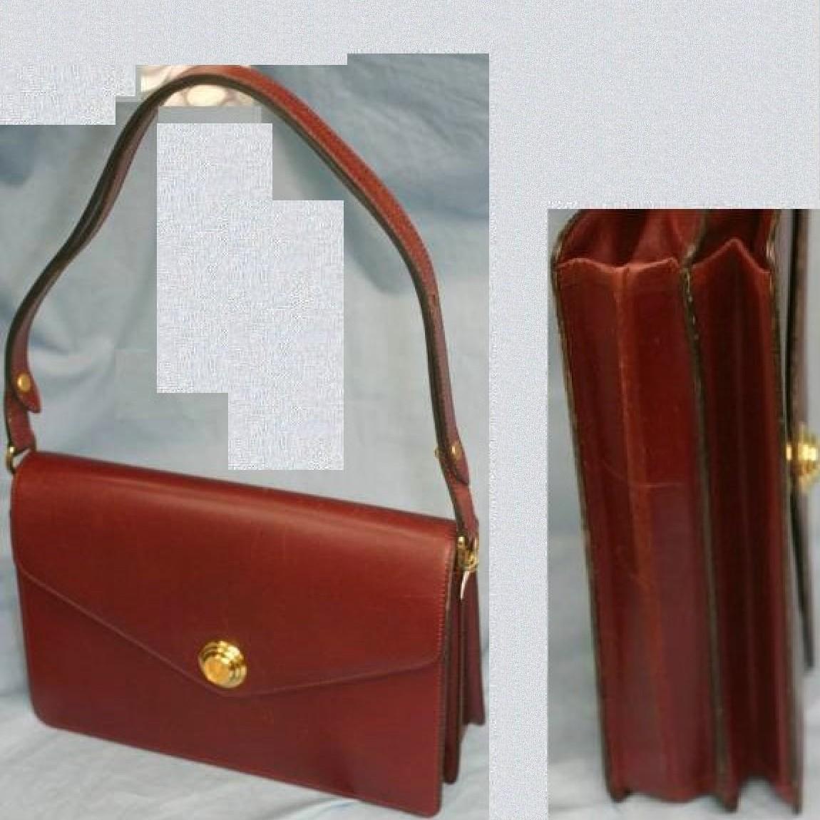 【中古】本物美品C,Dior女性用調節可能持ち手付きボルドー色ショルダーバッグ サイズW25H16,5D9cm 20年位前に購入