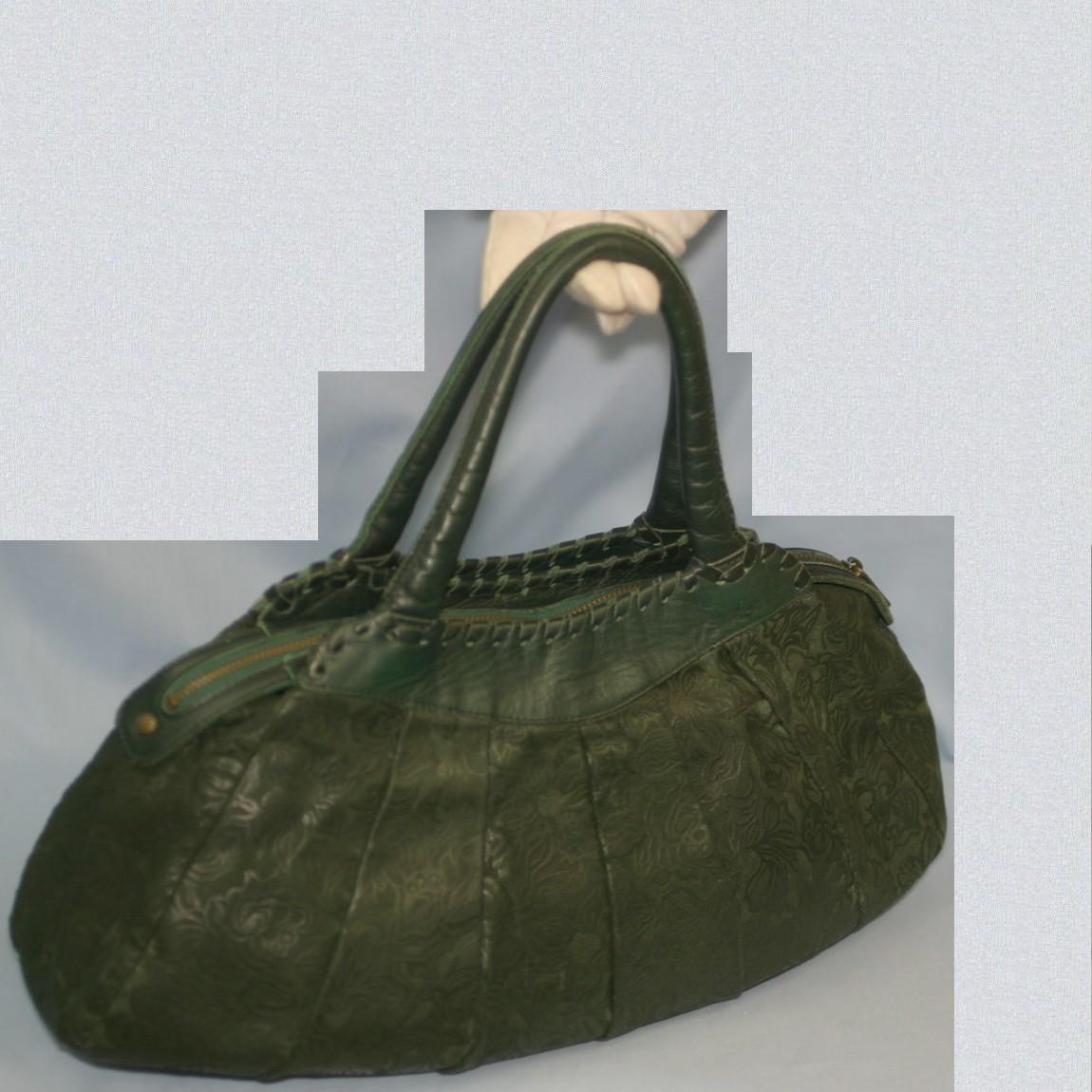 【中古】本物美品イビザ女性用深緑色周囲に花柄模様41センチ横長バッグ