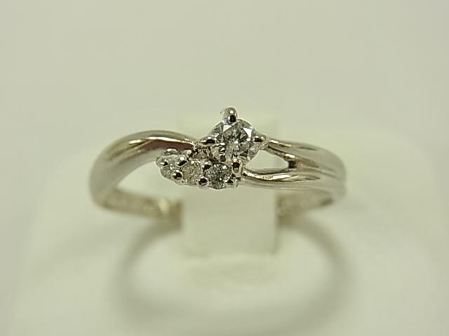 【送料無料】PT900 ダイヤメレダイヤ4石 レディ-スリング 合計0.15ct 2.2グラム #11 指輪【中古】