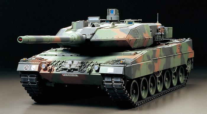 <BR>タミヤ 1/16RC ドイツ レオパルト2A6 フルオペレーションセット 品番56019