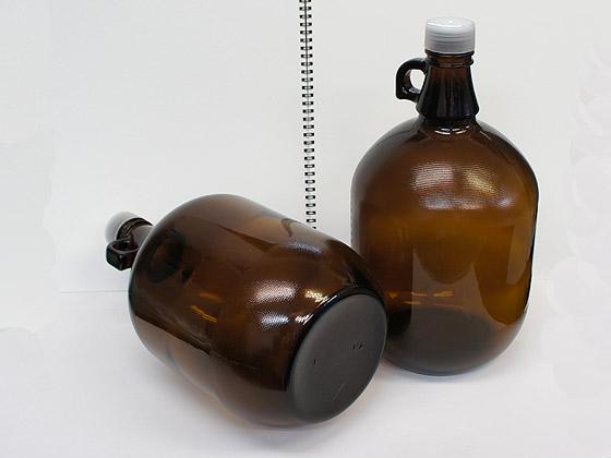 約3.6L(1ガロン)入る大容量の茶色の遮光瓶  遮光瓶 ガロン瓶