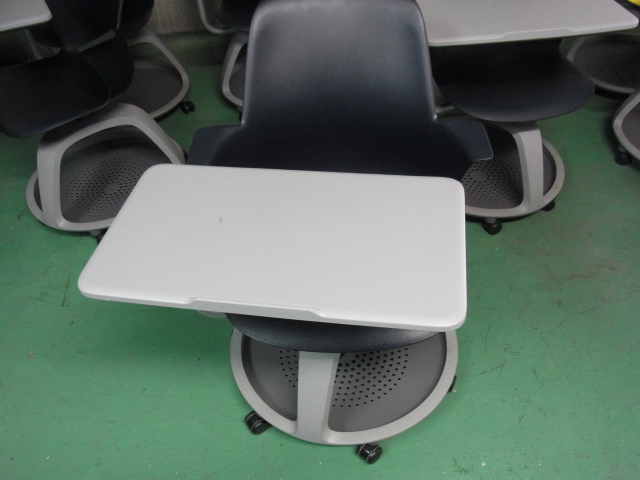 【SALE】【中古】スチールケース Node ノード ミーティングチェア サイドテーブル付 キャスター付 ブラック【中古オフィス家具】
