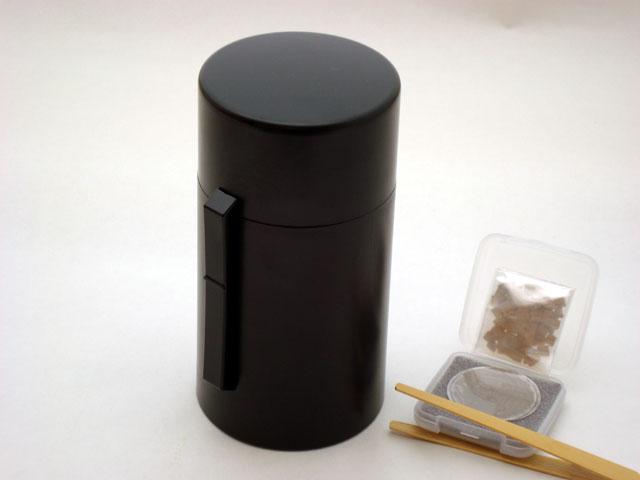 送料無料!電池式香炉 ひとたき香炉 こづつ 黒 【香炉】【お香】【松栄堂】