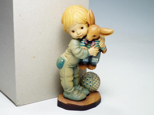 ANRI アンリ 木製 木彫り人形 SARAH KAY サラ ケイ ウサギの人形と男の子 17.5cm 少年 フィギュリン 置物 インテリア【中古】