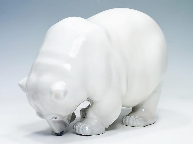 【ロイヤルコペンハーゲン 白くま 29cm フィギュリン】(陶器 人形 かわいい おしゃれ ポーラーベア Royal Copemhagen シロクマ 置物 インテリア)【中古】