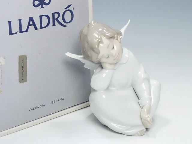 【リヤドロ 天使の考えごと 〈なんとかなるよ〉】(Lladro 陶器人形 フィギュリン フィギュア 置物 インテリア かわいい エンジェル 考え事)【中古】