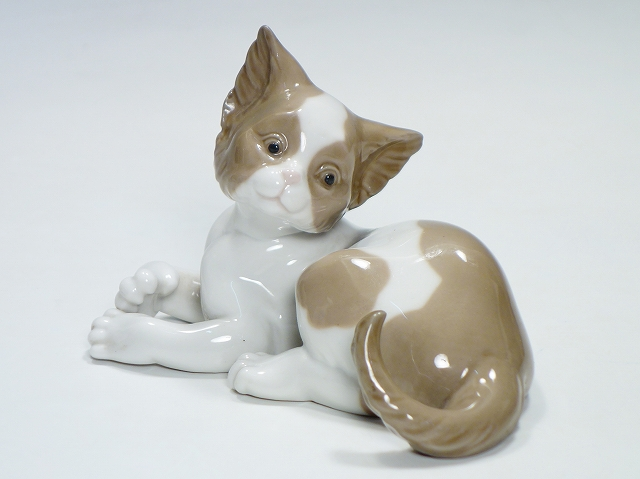 リヤドロ Lladro 『おどろく』猫 ねこ ネコ 陶器人形 フィギュリン フィギュア【中古】