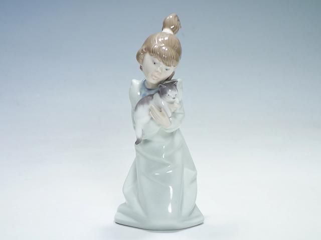 リヤドロ Lladro 『眠たい子猫』 ねこ ネコ 少女 女の子 陶器人形 フィギュリン フィギュア【中古】